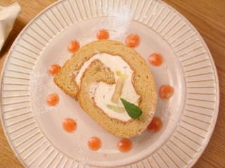 メープルロールケーキ.JPG